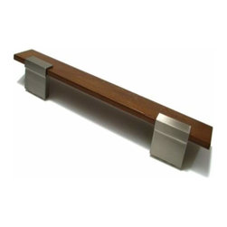 Richelieu Hardware - Richelieu Contemporary Metal & Wood Pull 160mm Nickel & Walnut Wood - Richelieu Contemporary Metal & Wood Pull 160mm Nickel & Walnut Wood