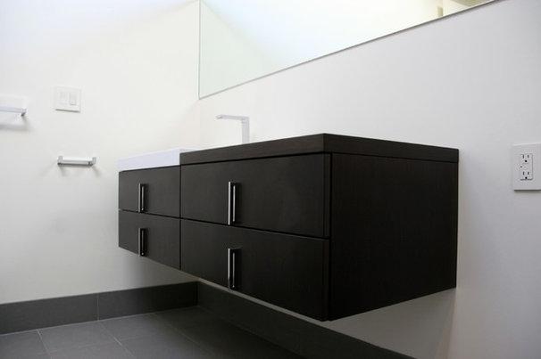Contemporary Bathroom by Heydt Designs