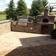 Traditional Outdoor Grills by Springhetti Custom Outdoor Living