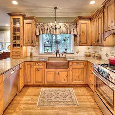 Traditional Kitchen by Classic Kitchens