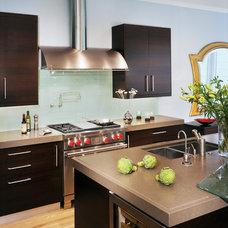 Modern  by Exquisite Kitchen Design