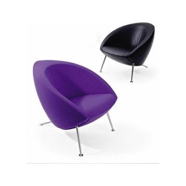 Hanna Chair By Artifort - Hanna from Artifort is sculpted elegance in a compact form. Hanna is as comfortable to sit on as it's beautiful to look at. Perched on three slightly tapered steel legs, the robust shell hovers just above the floor. Designed by Rene Holton, 2001
