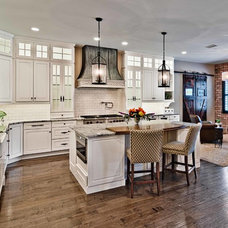 Traditional Kitchen by Inspirational Kitchens By Design