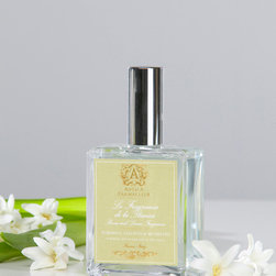Tuberose, Hyacinth & Lily Room Spray 100 ml. - Sweet tuberoses, subtle and noble hyacinths, and delicate lilies of the valley bloom in an instant garden of scent when you pick up the attractive glass bottle of Tuberose, Hyacinth, and Lily Room Spray.  Wonderful for giving a romantic floralcy to your linens, the blend creates a cosmopolitan woodland of charismatically feminine flowers with every soft splash you give to the air.