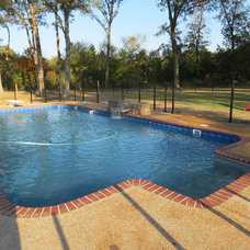 by Paradise Pools and Spas of Pearl, MS