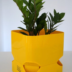 CubePot - Self Watering Planter -