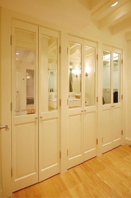 Eclectic Closet by Leslie Saul & Associates