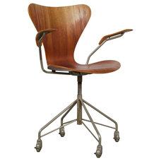 Arne Jacobsen - Series 7 Office Chair - Model 32...