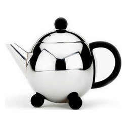 Cuisinox - 32 oz Teapot with infuser - This beautifully designed teapot comes with an infuser basket which gives you the option of using tea leaves, tisanes or teabags. The infuser basket facilitates the removal of the tea bag or tea leaves. Made from durable stainless steel, this teapot stands up to everyday use.