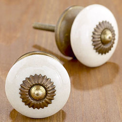 Ivory Basic Ceramic Knobs, Set of 4 - Four knobs for under $10! What more can you ask for?