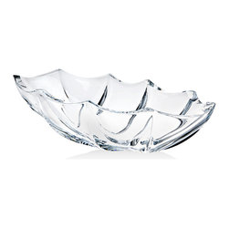 "Godinger Silver - Cinzia Oval Bowl 15.5"" - Fill up this lovely crystal bowl with your favorite delicacies, goodies or dips and it will showcase the items beautifully. You can also use this bowl for bouquet displays, roses or potpourri. Its the unique design will command attention wherever it is displayed."