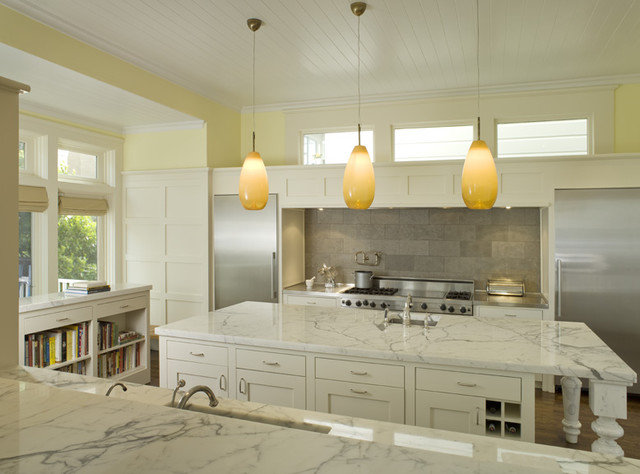 Traditional  by Dijeau Poage Construction