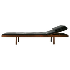 Modern Outdoor Chaise Lounges by Suite New York