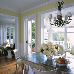 traditional dining room by Chambers + Chambers Architects