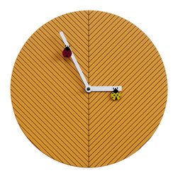 Progetti - Time2Bugs 2265 Orange Wall Clock - Round, discreet, colorful and fun, this is Time2bugs, the wall clock that brings joy to children's rooms. On the dial is a design of thin black lines that recalls the veins of a leaf, on which two lady bugs, one yellow and one red lie and move. The structure is made of wood. Battery quartz movement.
