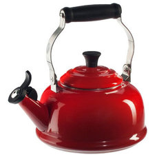 Traditional Kettles by Le Creuset