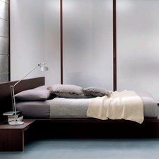 Modern Beds by Italian furniture by CGS Group 'Momentoitalia'