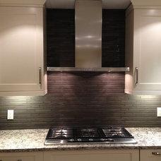 Modern Tile by Vancouver Prostyle Contractors Ltd