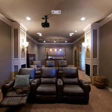 Traditional  by Dallas Renovation Group