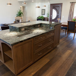 Dynasty, Cayhill, Cherry, Riverbed - Dynasty by Omega cabinetry in the Cayhill door style, Cherry wood with a Riverbed finish and an Onyx glaze.