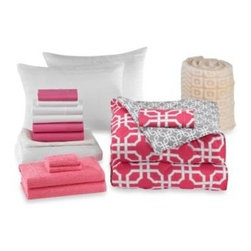 Bed Bath & Beyond Service - Quinn 17-Piece Basic Dorm Room Kit - The Quinn Basic Dorm Room Kit includes all the bedding you need to make your dorm room just as cozy as home. It features a reversible comforter, pillow, sheet sets, mattress pad, towels, and more.