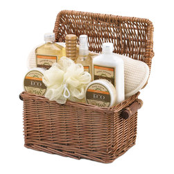 Koolekoo - Vanilla Ginger Spa Basket - The aroma of warm vanilla and snappy ginger will soothe you to complete relaxation and cleanliness! This fantastic spa set includes everything needed for an indulgent bath or shower.