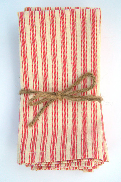 traditional table linens by Etsy