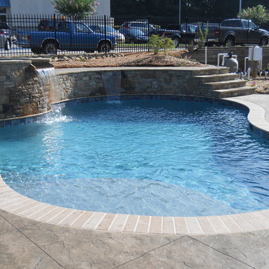 Wet Edge Kiwi Tropical (Pool)  & Primera Stone Azure Treasure Series (Spa) - The pool is finished with Wet Edge Satin Matrix - Kiwi Tropical and the spa is finished in Primera Stone Azure Treasure Series.