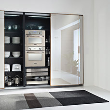 Modern  by Domani Kitchens