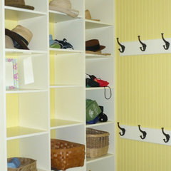 traditional closet by Pine Ridge Carpentry