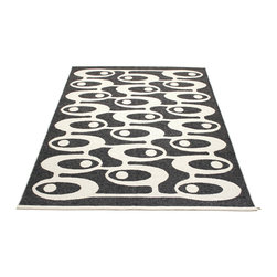 Pappelina - Alve Black & Vanilla Rug - This outdoor rug from Pappelina contains a basic geographic pattern. It uses PVC-plastic and polyester-warp to give it ultimate durability and clean-ability. Great for decks, bathrooms, kitchens and kid's rooms.