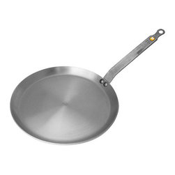 De Buyer Mineral B Iron Crepe Pan - I've already converted to cast iron pans as the best nonstick pans without any chemical coatings. The only problem is that they are very heavy, and making crêpes or other light items that require me to move and shift the pan is pretty difficult. De Buyer pans are thinner and lighter, and I plan to make this crêpe pan part of my collection.