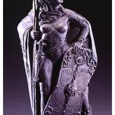 Celtic Shopping Center: Morrigan Statue