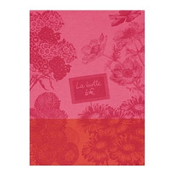 Le Jacquard Francais - Le Jacquard Francais Marche Fleurs Peony Tea/Kitchen Towel - A fun, happy, light-hearted style, decidedly anit-crisis. Marche Fleurs is an ode to flowers and their d_cor. Damask fabric. 100% Pure cotton colored warp and weft.