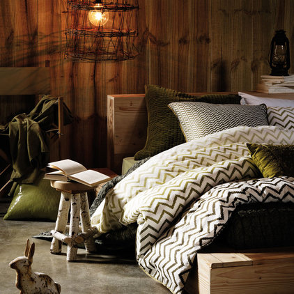 Contemporary Quilts And Quilt Sets by AURA