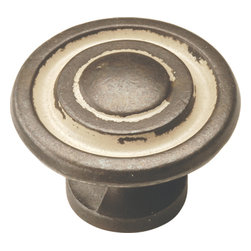 Hickory Hardware - Manchester Biscayne Antique Cabinet Knob - Refreshing in its simplicity, Rustic style highlights natural beauty and a rugged, resilient spirit. Thanks to the unpretentious roots, organic textures, shapes and natural warmth, it's become as popular in the heart of the city as it is out in the woods.