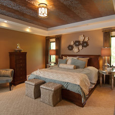 Traditional Bedroom by SPACE, Inc.