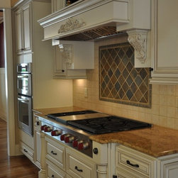 Options for Country Linen glazed full-overlay cabinets -
