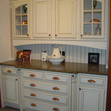 Traditional Kitchen Cabinets by Fingerle Lumber