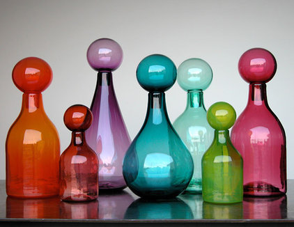 contemporary artwork by Lyons Glass