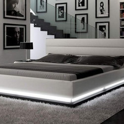 INFINITY - CONTEMPORARY WHITE PLATFORM BED WITH LIGHTS - Contemporary platform leather bed with lights