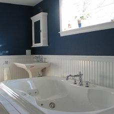 Bathroom by PEGASUS Design-To-Build LLC