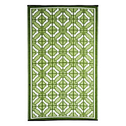 b.b.begonia - Bali- Designer/ Outdoor/Reversible Rugs made with recycled Plastic - The Green and White geometric patterns gives a feeling of mosaic tiles laid out in a King's palace. This reversible mat is a great solution for the sunroom, for the patio, for the deck, by the pool or in the yard.