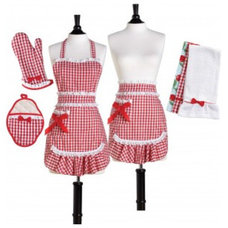 Traditional Aprons by Jessie Steele