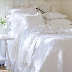 Taylor Linens Laura Beddings Collection Quilt
