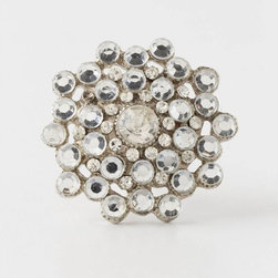 Keepsake Brooch Knob, Silver - A glamorous brooch knob to glam up my dresser.