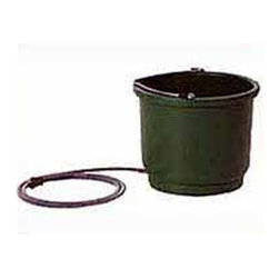 Farm Innovators - 2 Gallons Heated Bucket - Heated bucket holds over two gallons of water and is great for large dogs. Operates automatically with 60 watt built in heater.