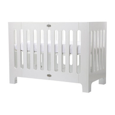 Bloom Alma Papa Crib, White - The Bloom Alma Papa crib has a great modern look and is perfect for small spaces. You can even fold it up and take it with you!
