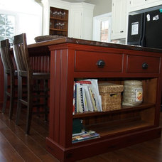 Traditional Kitchen Islands And Kitchen Carts by The Loyalist Woodworking Co.