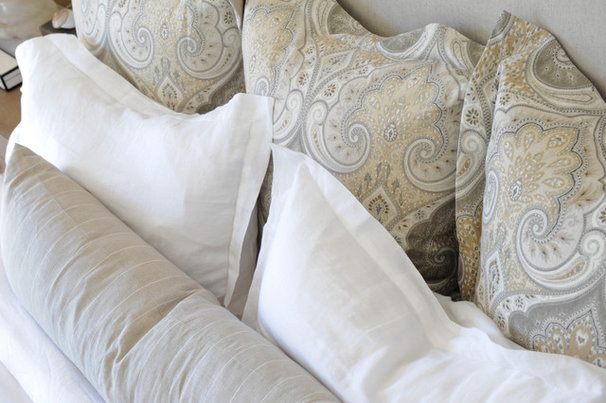 Traditional  by Kerrisdale Design Inc